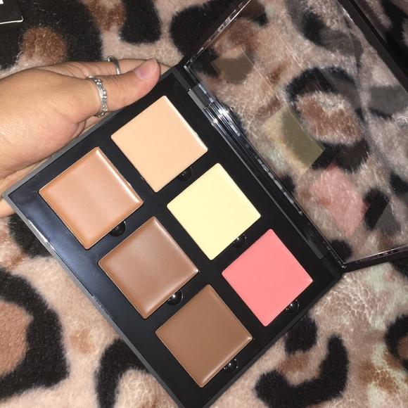 Anastasia Beverly Hills Other - Anastasia Beverly Hills contour cream kit
